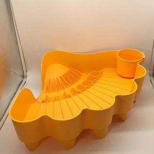 Tupperware Large Shell Easy-Dry Dish Drainer.